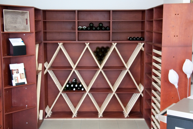 rangement de bouteilles de vin am nagement de cave vin. Black Bedroom Furniture Sets. Home Design Ideas